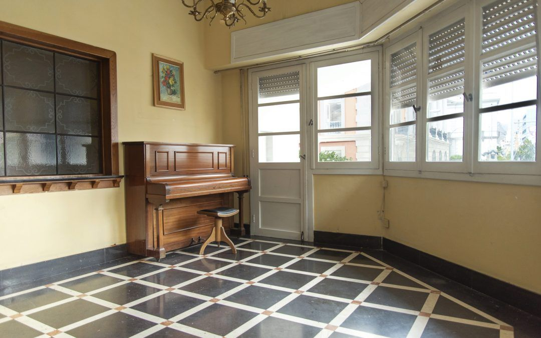 Piso en venta Méndez Núñez - Salón con piano