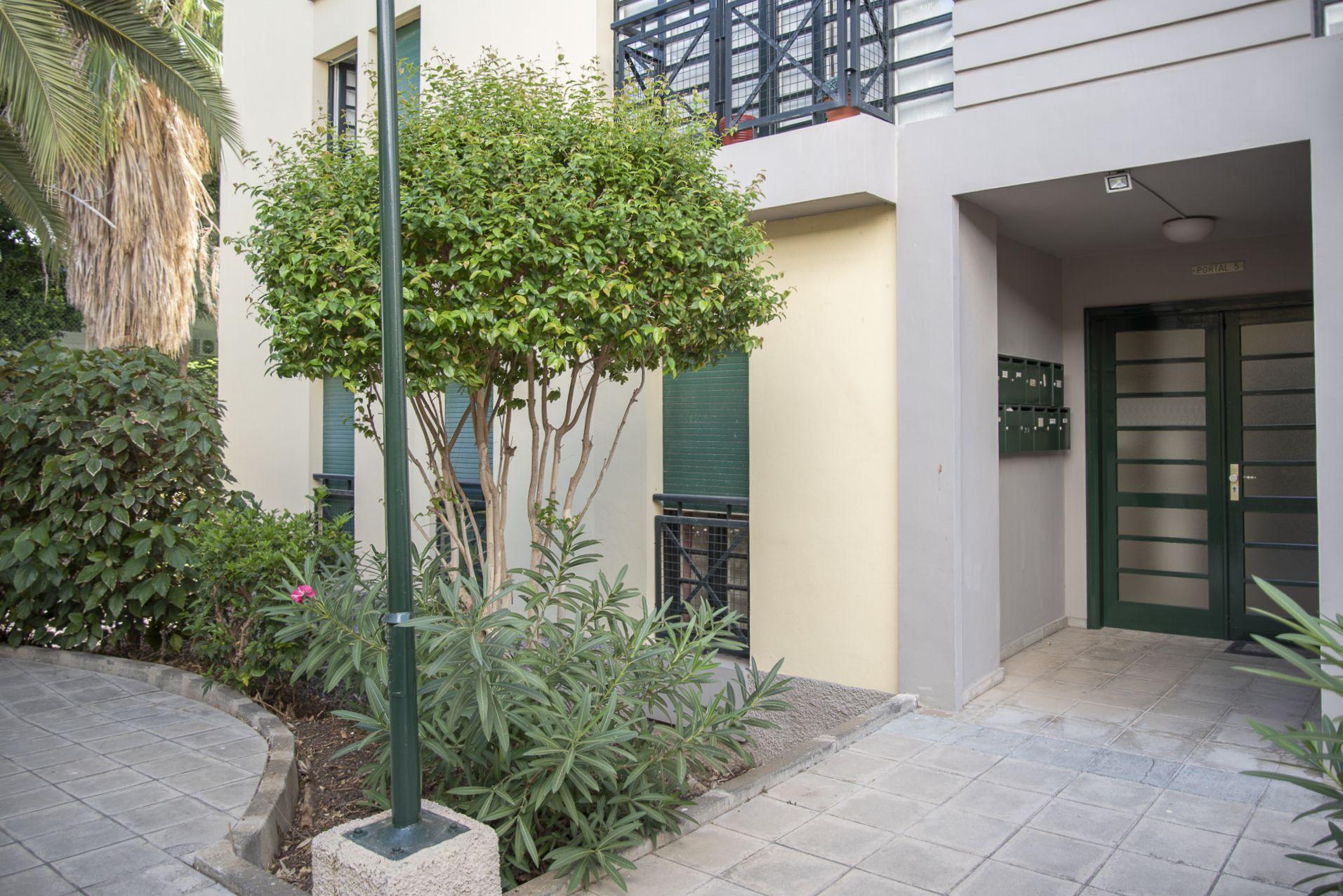 Club Oliver - Calle Salamanca - Entrada