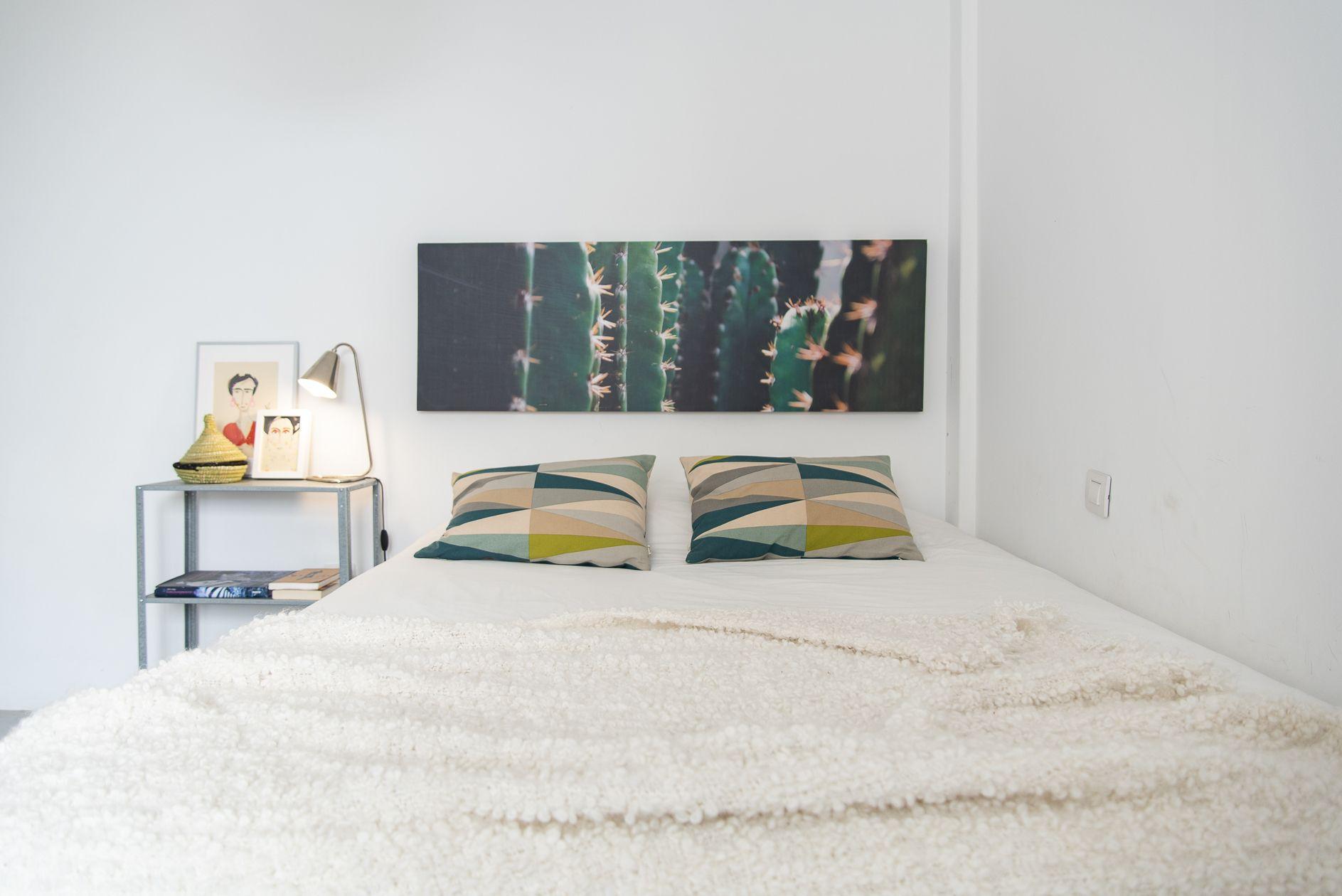Doctor Guigou - Hotel Mencey - Habitación 2 con cama doble y decoración minimalista