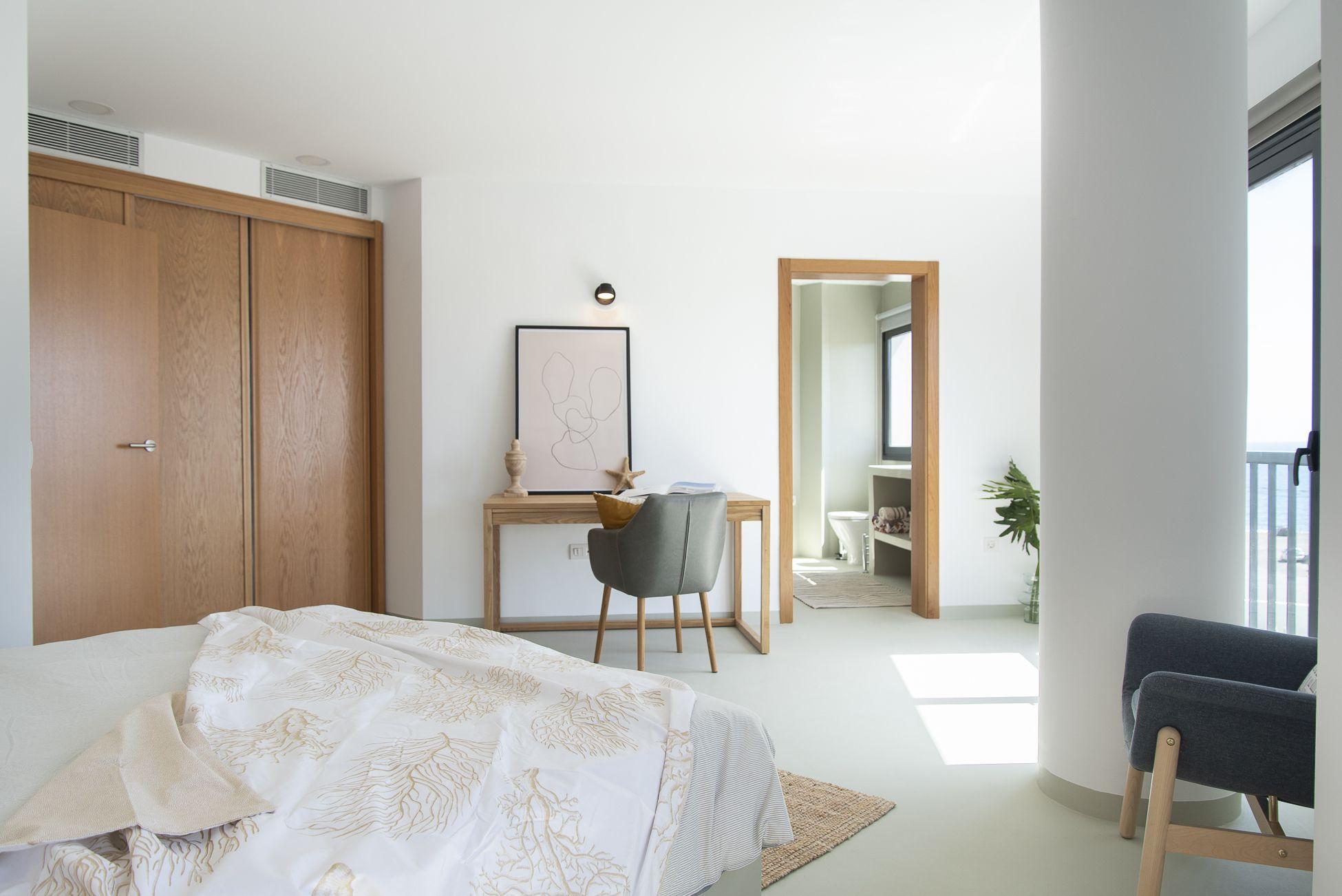 El Porís - Habitación principal y entrada a baño