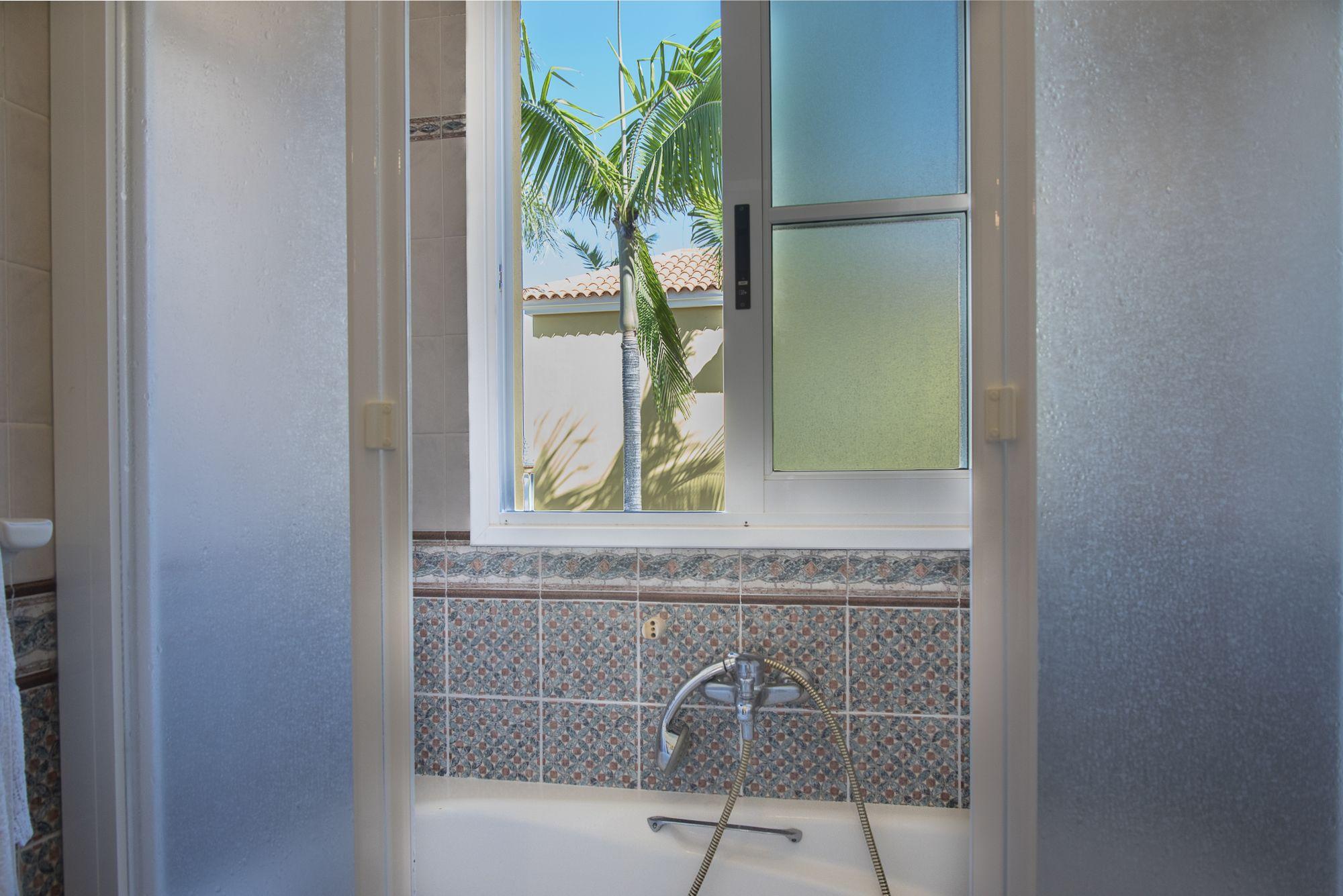 Baño segunda planta, detalle. El Sauzal - El Puertito
