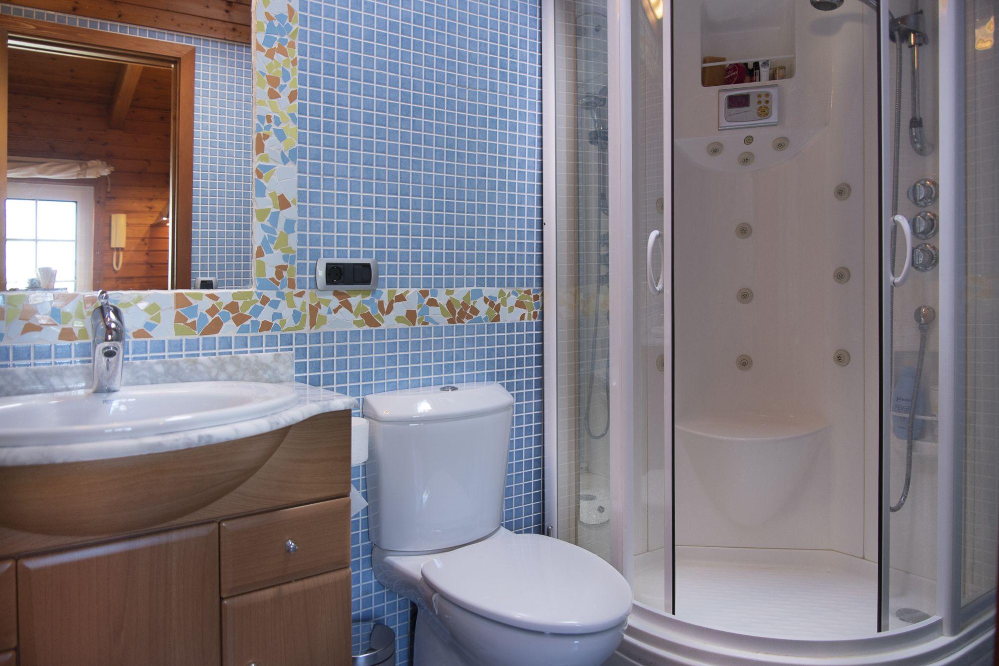 Habitacion invitados, baño. El Sauzal - El Puertito