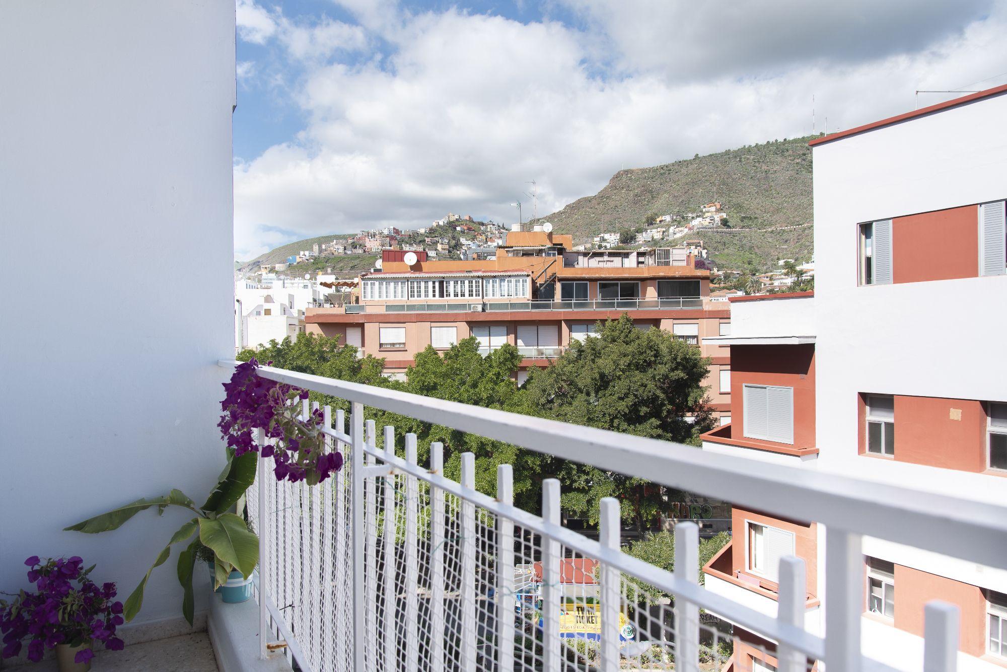 Pérez de Rozas - Vistas desde el balcón