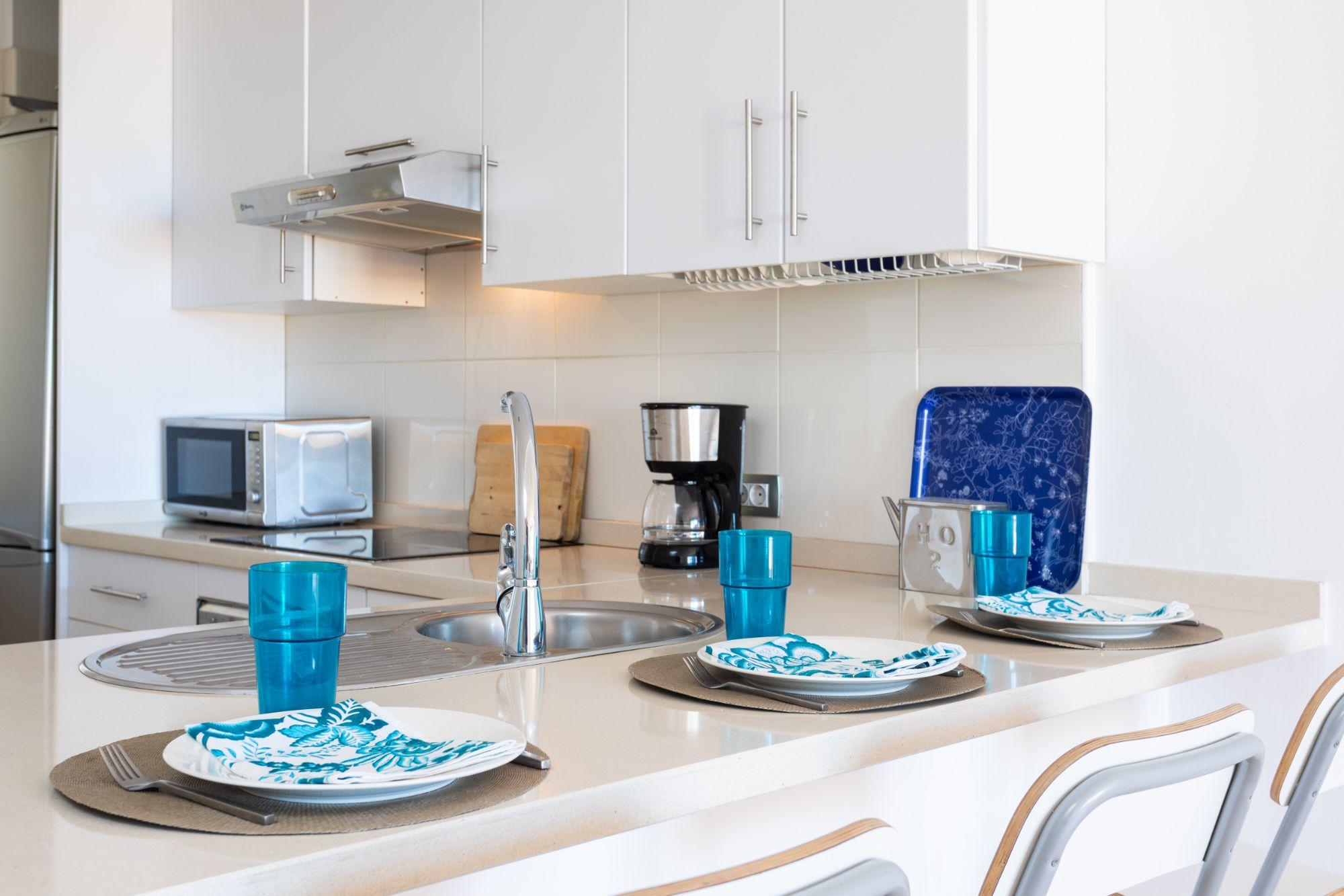 Residencial Cary, El Porís - Cocina con barra americana