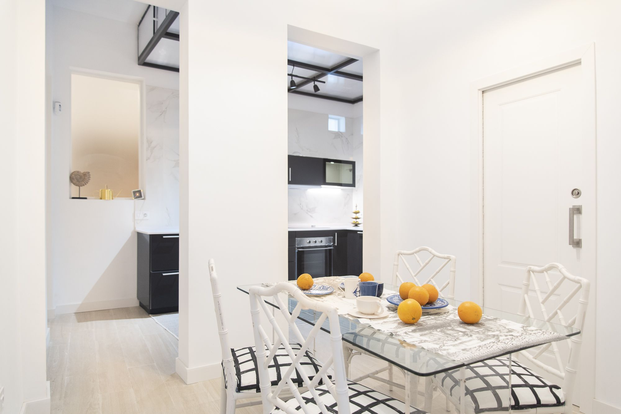 Almeida - El Toscal. Salón y cocina