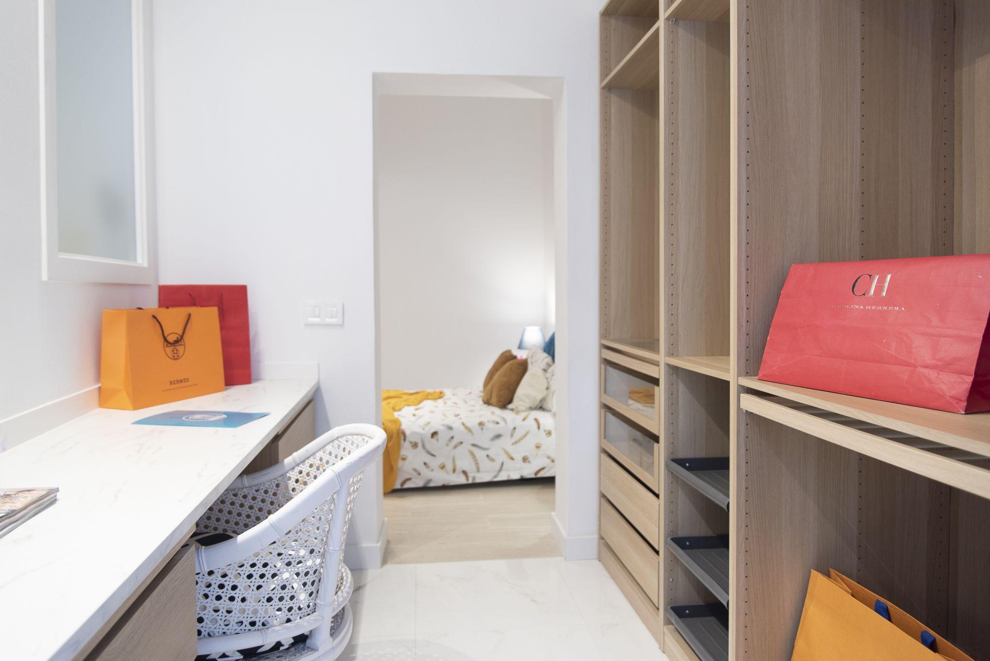 Almeida - El Toscal. Vestidor y habitación 3