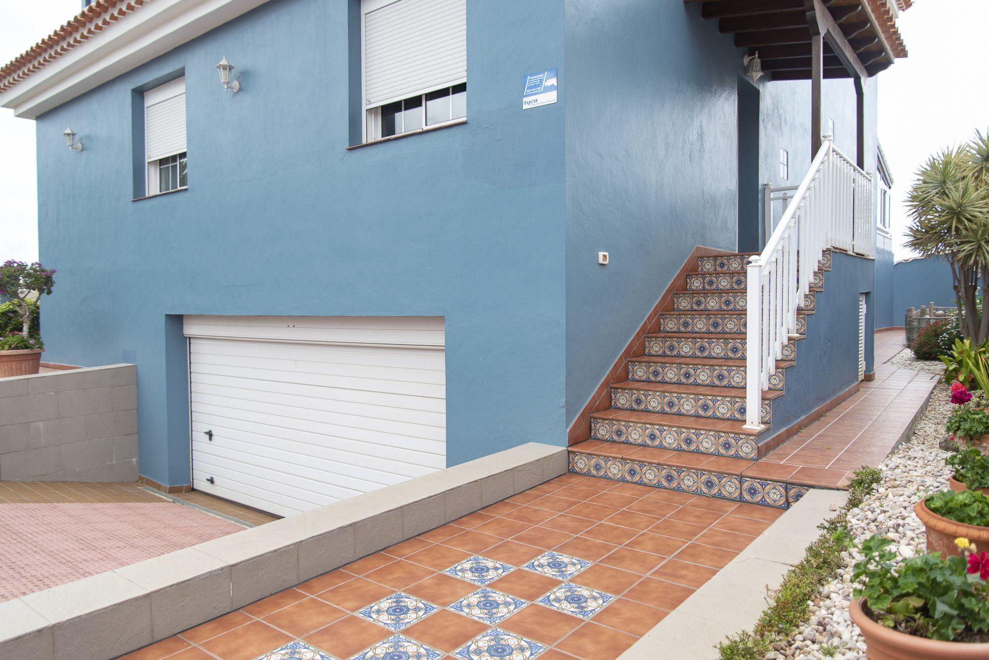 La Casa Azul - Tegueste. Entrada desde la calle