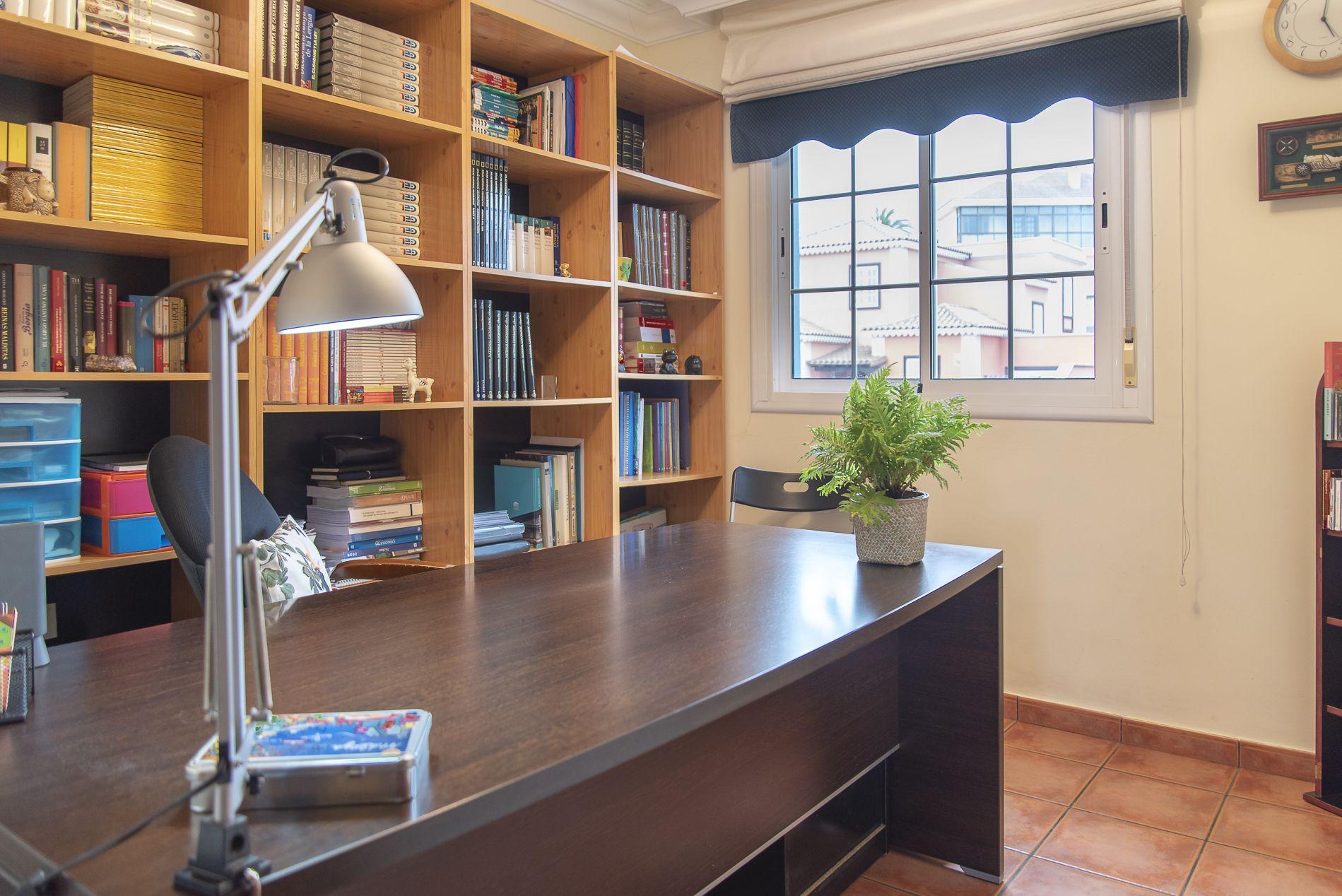 La Casa Azul - Tegueste. Despacho planta 1